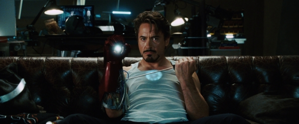 Iron-man-movie-tony-stark-on-couch-photo_(1)